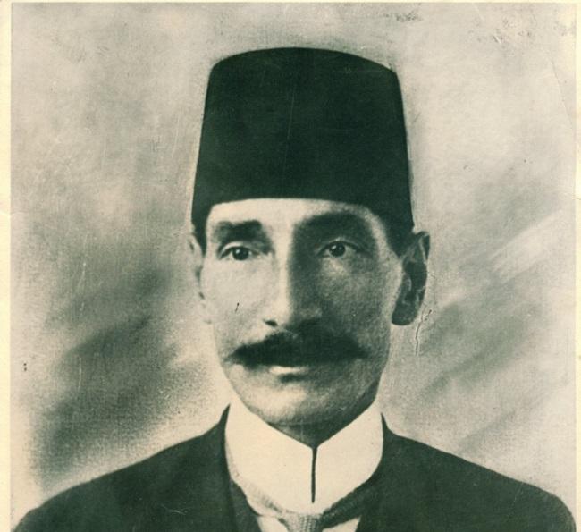علي بهجت أول أثري مصري وأول من بدأ التنقيب في أطلال مدينة الفسطاط