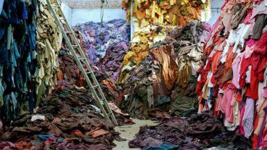 موضة سريعة وهلاك أسرع لكوكب الأرض... ما علاقة الملابس بالبيئة؟